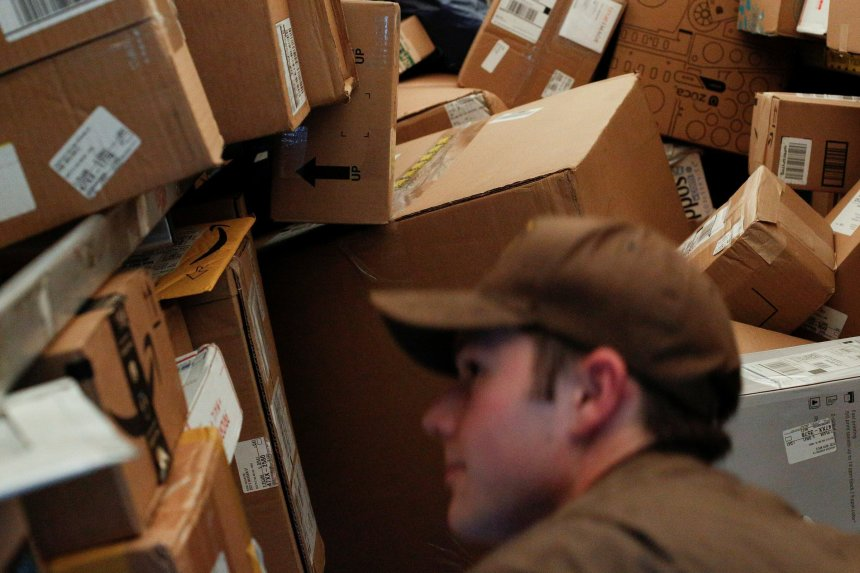 UPS to begin delivery, pickup services seven days a week